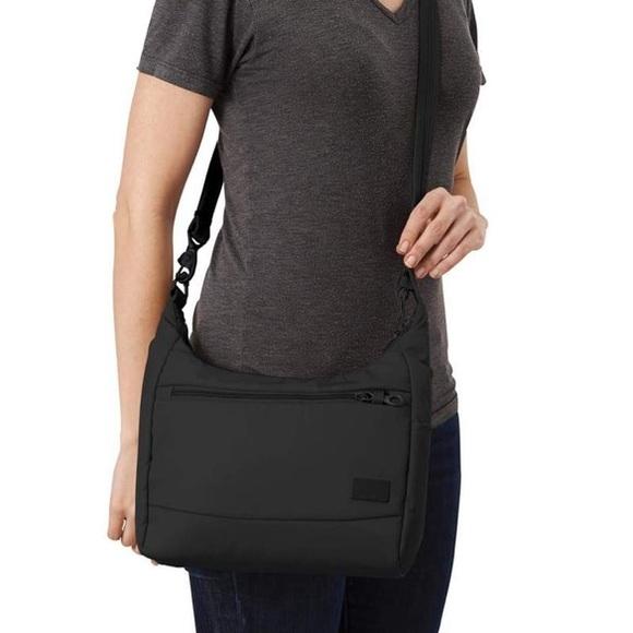 PacSafe City Safe 100 Black Anti-Theft Travel Bag